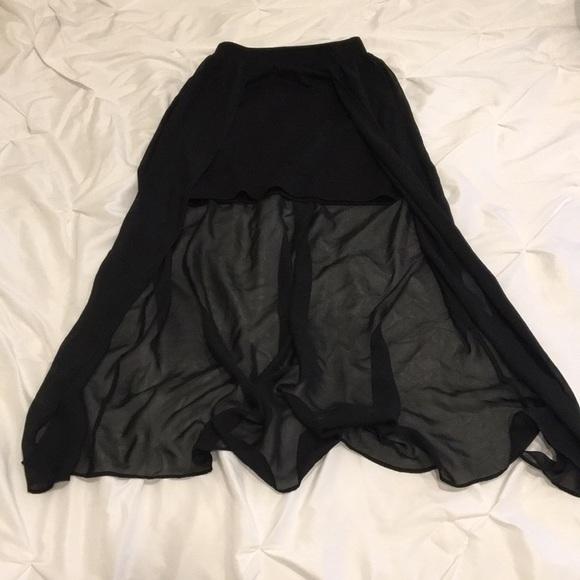 Joe Benbasset Dresses & Skirts - 5/$25🤩 Black Overlay Skirt